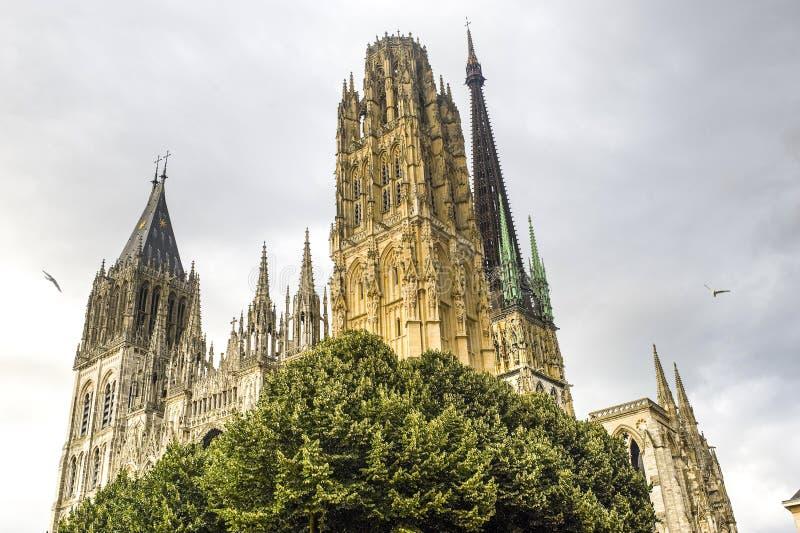 Rouen - façade de la cathédrale photo stock