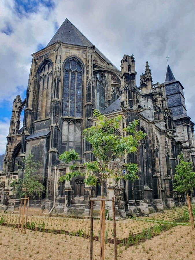 Rouen, Frankrijk - Juni 2019: De Saint Eloi-Tempel, een oude kerk, bepaalde de plaats van zuiden van de Plaats du Vieux-Marche, d stock fotografie