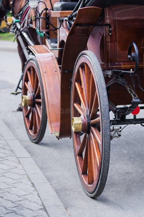 Roues antiques de chariot image stock