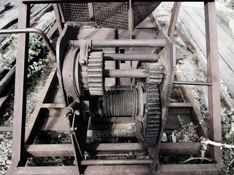 Roues dentées de vieux mécanisme de fermeture de barrage, siècle dernier images libres de droits