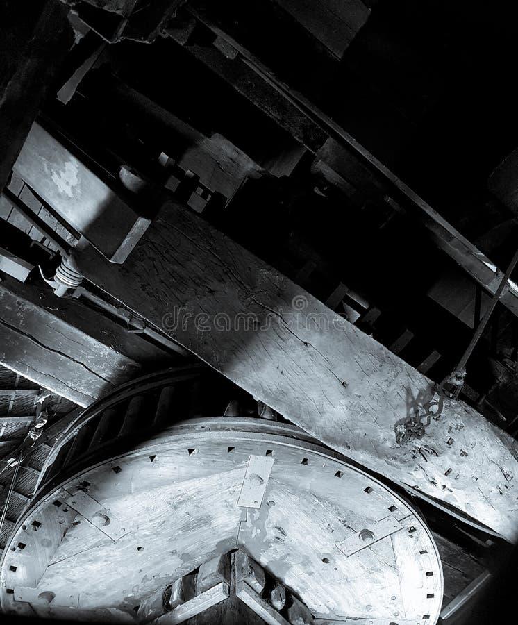 Roues fonctionnantes, commande de dents pour le moulin à vent images stock