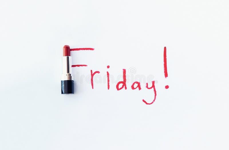 Rouge à lèvres rouge avec le texte de vendredi image stock