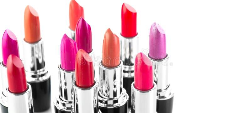 Rouge à lievres Maquillage et beauté professionnels Le rouge à lèvres teinte le plan rapproché de palette Rouges à lèvres colorés image libre de droits