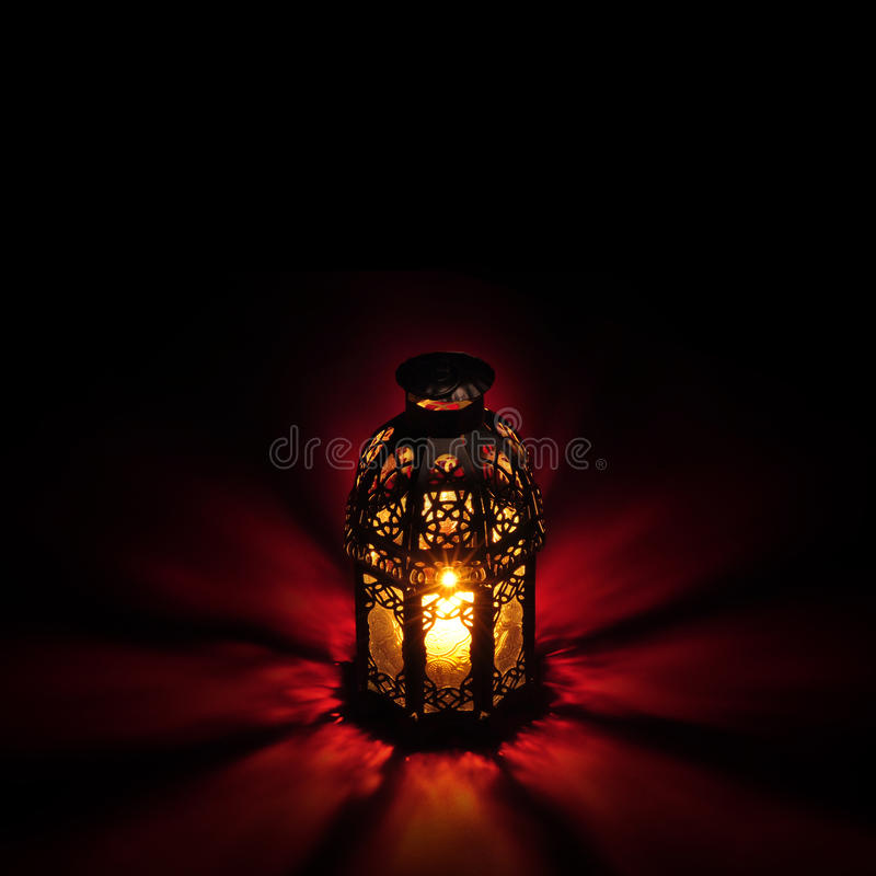 Rouge arabe de lanterne photographie stock libre de droits