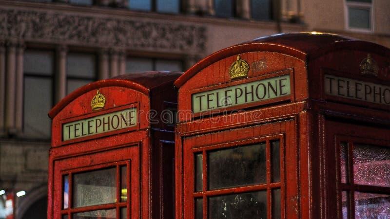Rouge de phonebooth de Londres images libres de droits