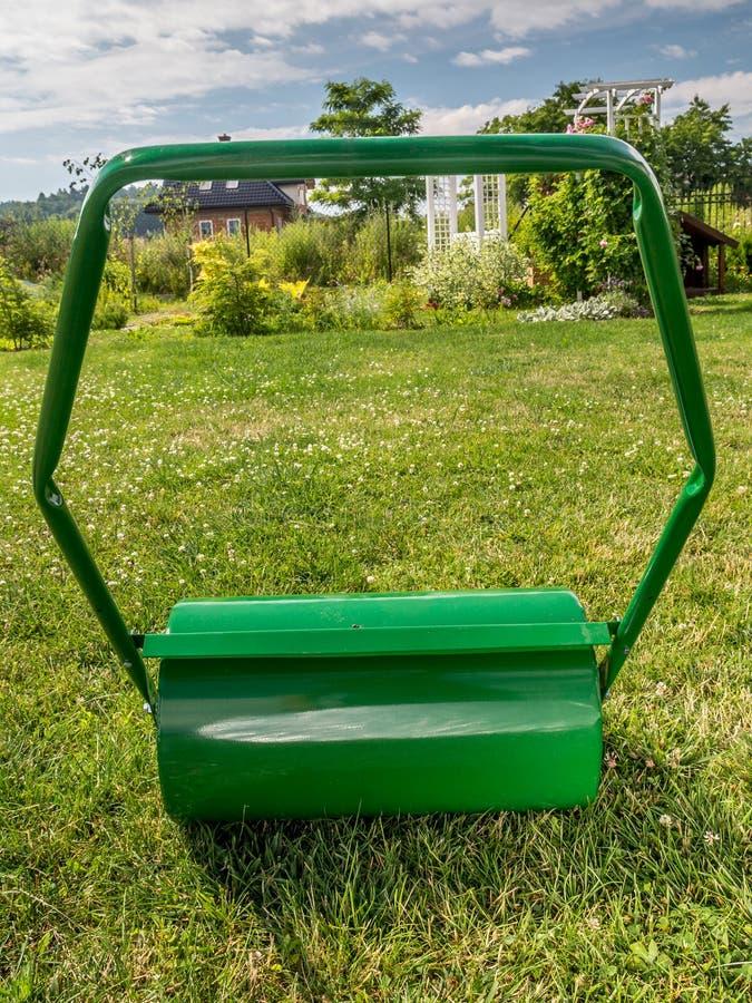 Rouleau de pelouse photographie stock libre de droits