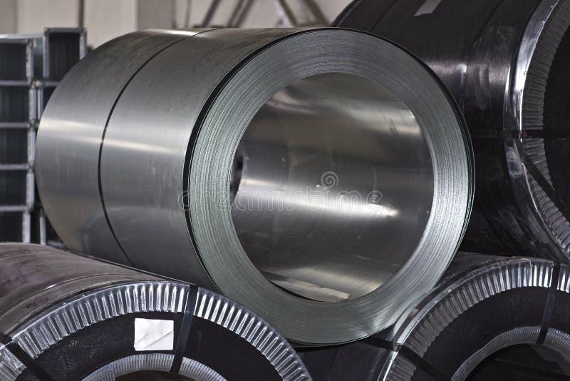 Rouleaux d'acier galvanisé laminé à froid en stock photos libres de droits