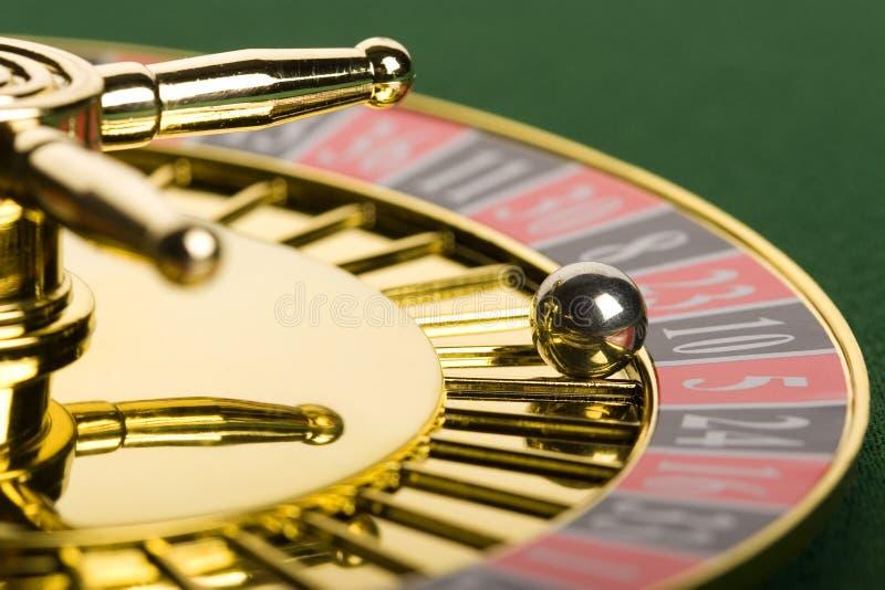 Roulette d'or image libre de droits