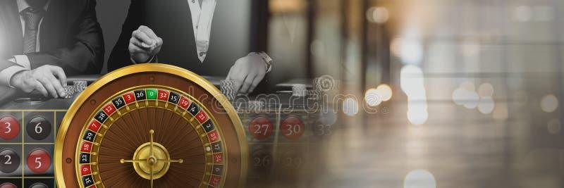 Rouletten rullar in kasinot arkivbild