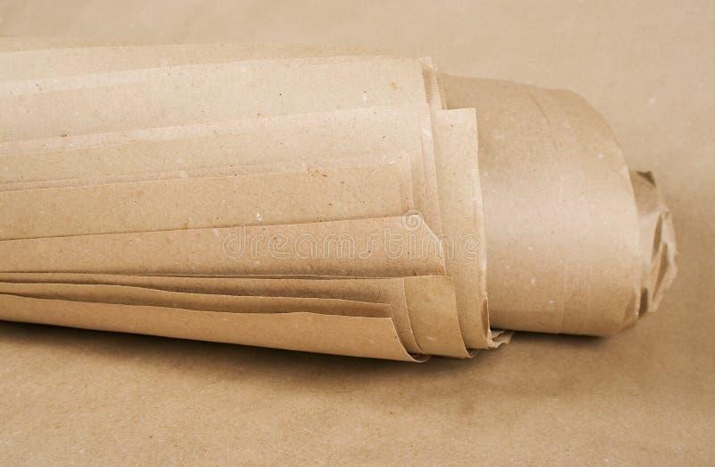 Roulis de papier d'emballage de papier de Brown photos stock