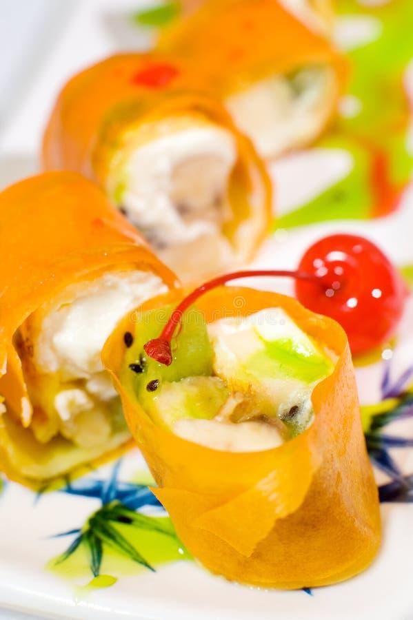 Roulis de sushi doux photographie stock