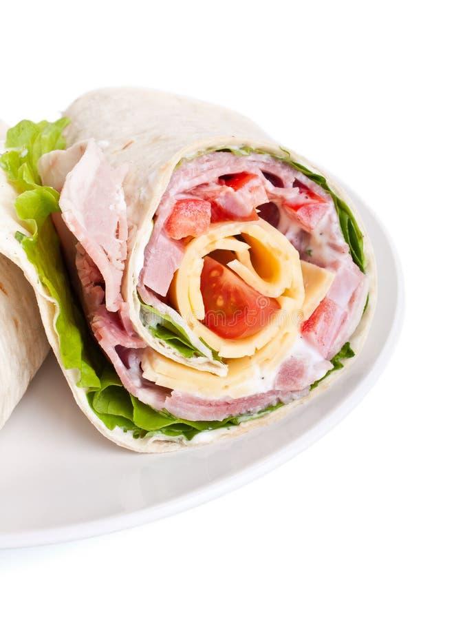 Roulis enveloppé de sandwich à tortilla photographie stock libre de droits