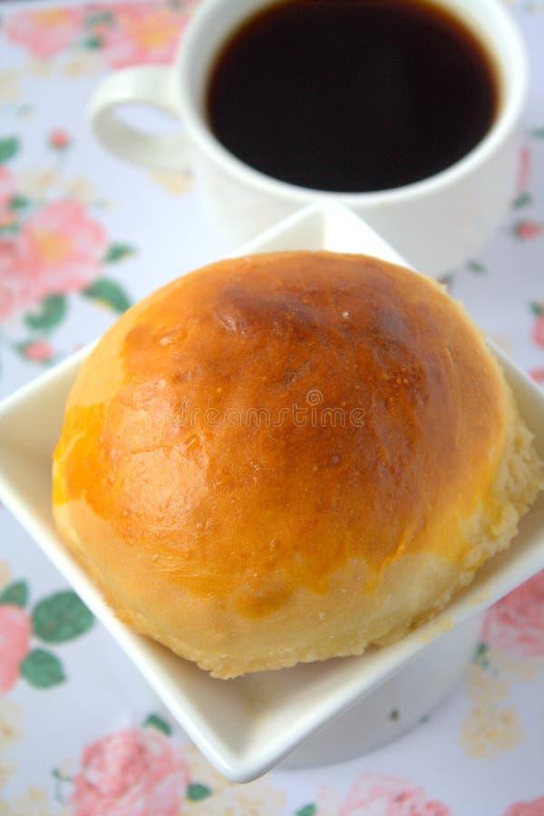 Download Round babeczka chleb zdjęcie stock. Obraz złożonej z kuchnia - 57659944