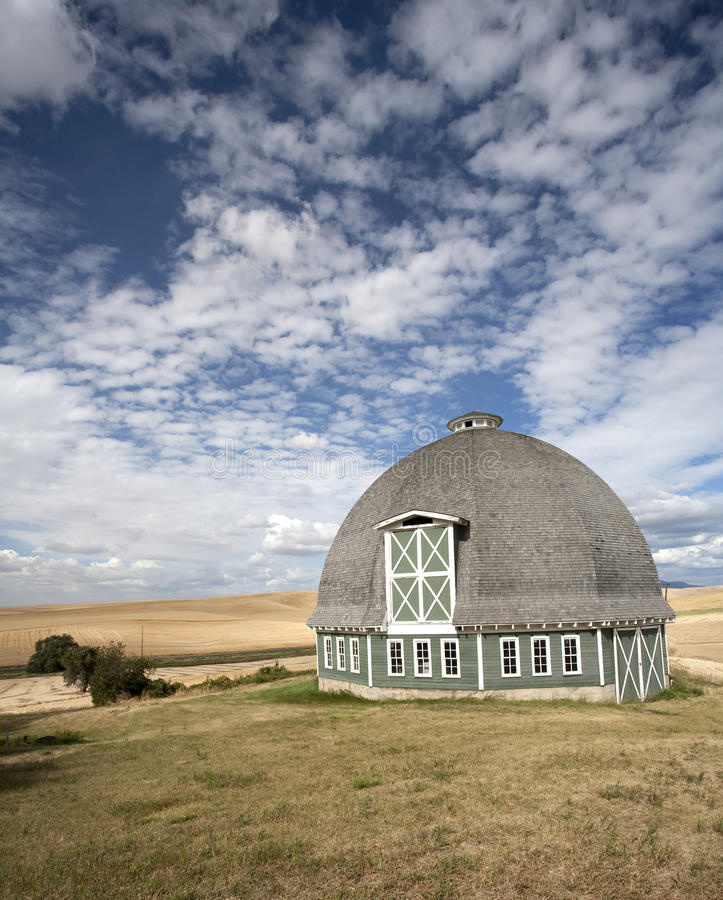 Free Round Barn Against A Blue Sky. Royalty Free Stock Photo - 16256655