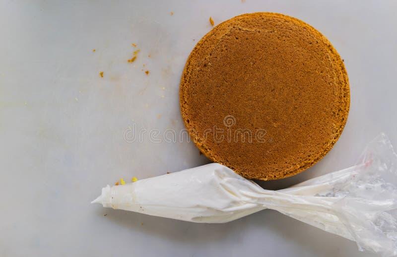 Round Frosted tort Z ciasto torbą fotografia royalty free