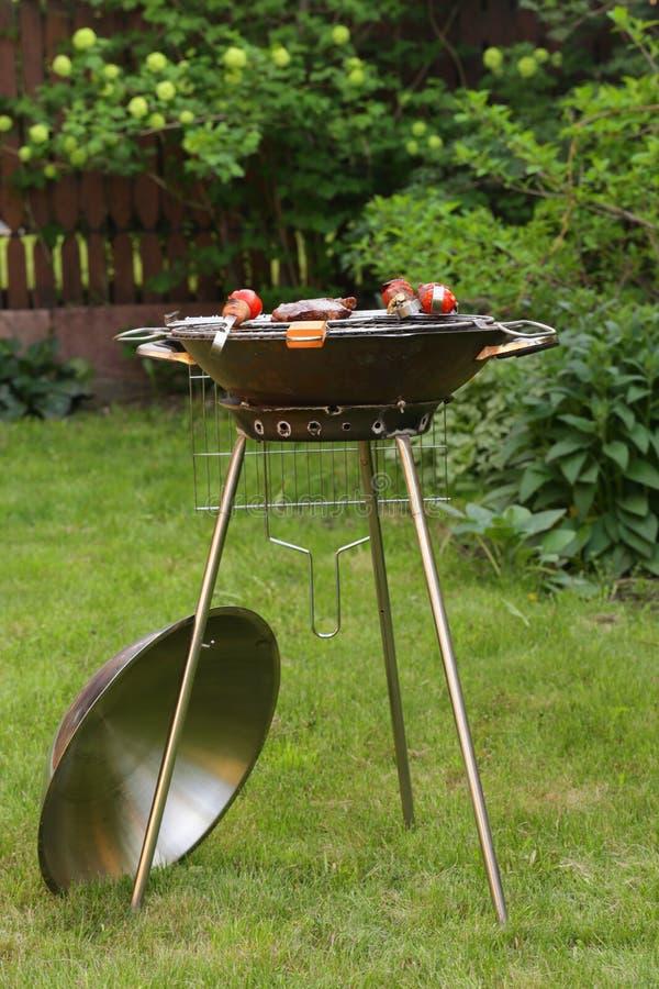 Round metalu grilla grilla urządzenia pinkin zdjęcia royalty free