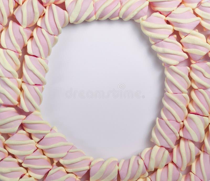 Round rama marshmallow na lekkim białym odosobnionym tle Z pust? przestrzeni? dla teksta zdjęcie royalty free