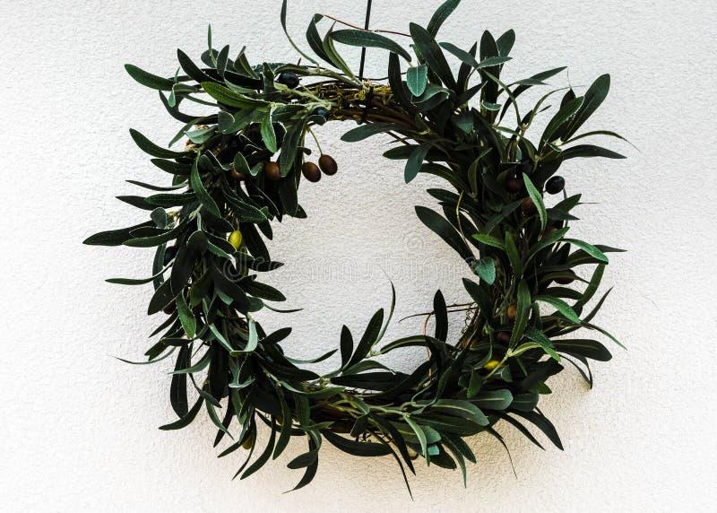 Round rama z zielonymi liśćmi zdjęcia royalty free