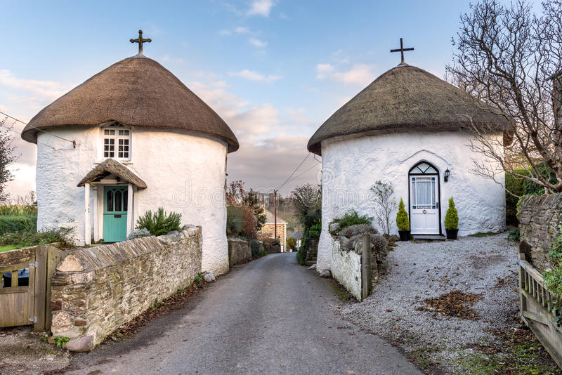 Roundhouses bei Veryan in Cornwall stockfotografie