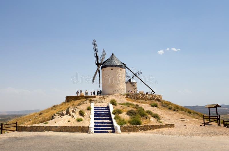 Roup av väderkvarnar i Campo de Criptana La Mancha, Consuegra, Don Quixote rutt, Spanien royaltyfri bild