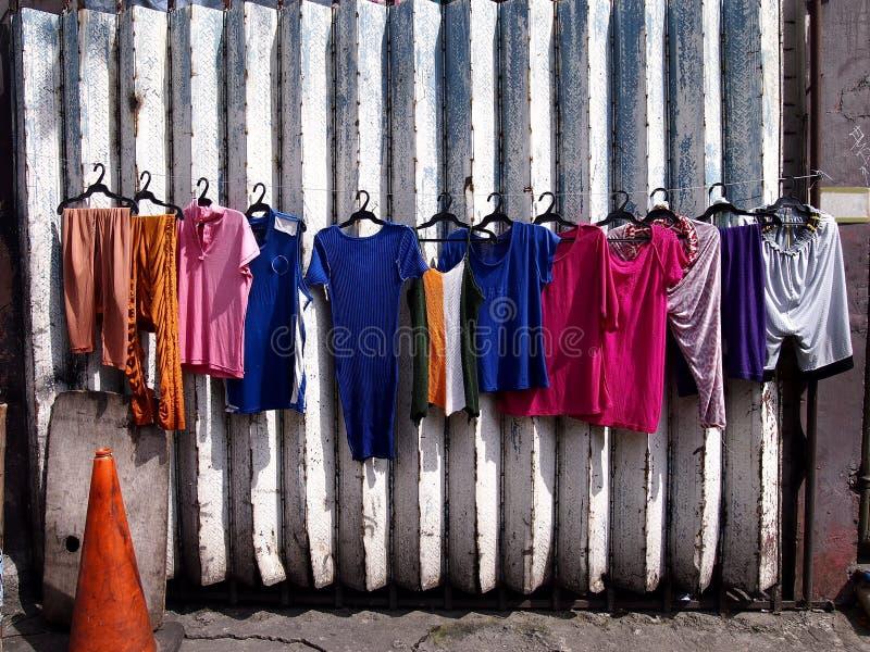 Roupa colorida recentemente lavada fotos de stock royalty free