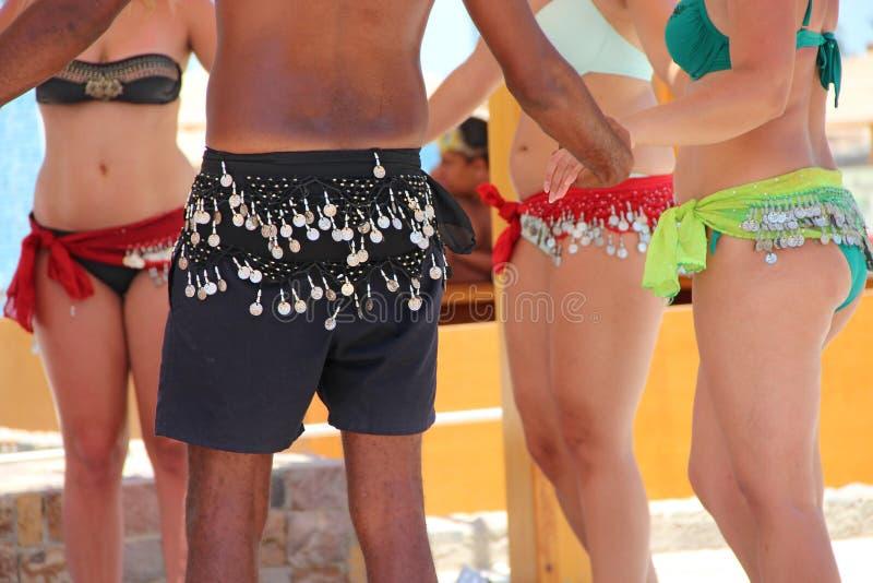Roupa da praia Na dança Dança dos povos  imagem de stock