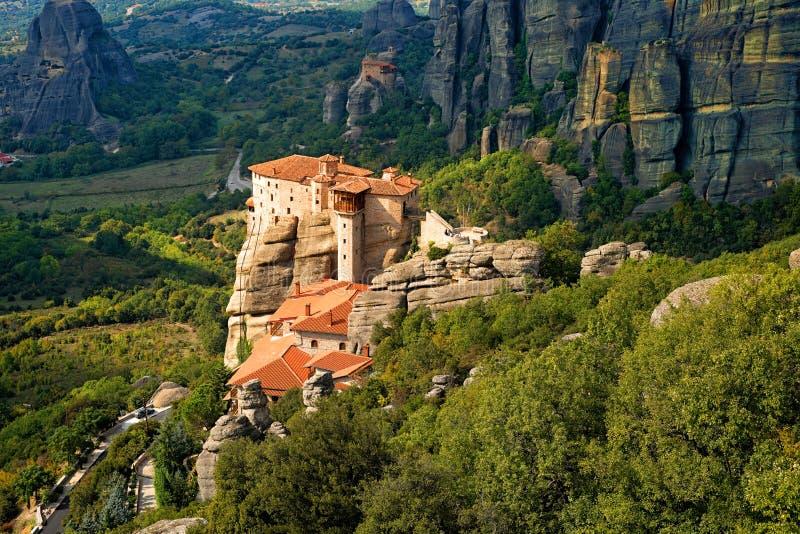 Roussanou kloster på Meteora royaltyfri foto