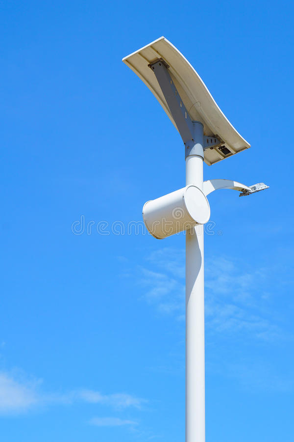 Route à énergie solaire de poteau léger images stock
