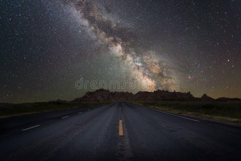 Route à la galaxie de manière laiteuse photographie stock libre de droits