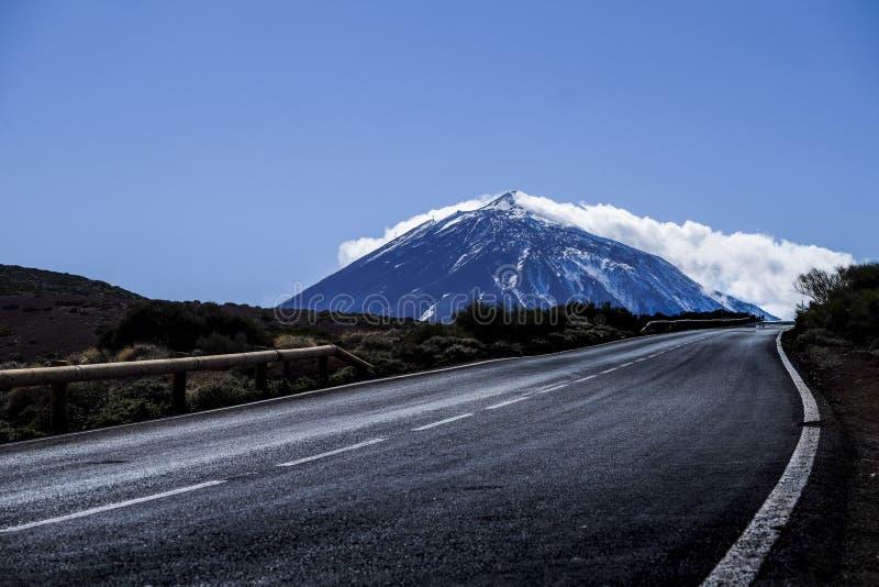 Route à la scène vulcan de montagne d'EL Teide en hiver photographie stock