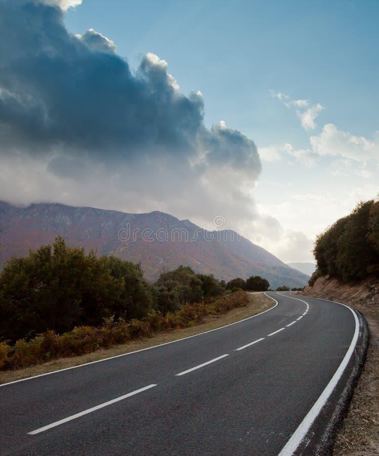Route à la tempête en automne image libre de droits