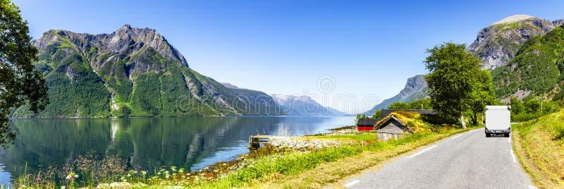 Route à un fjord image libre de droits