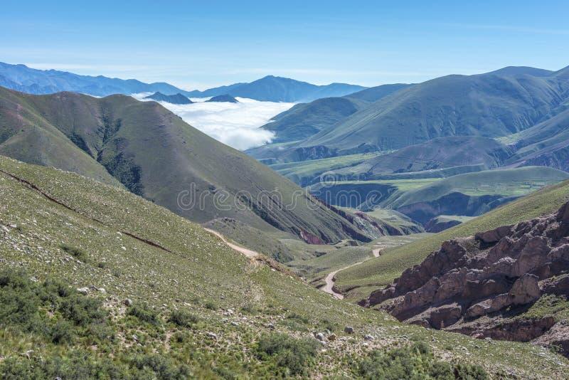 Route 13 aan Iruya in Salta-Provincie, Argentinië royalty-vrije stock afbeelding