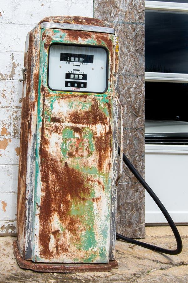 Route 66: Alte Gas-Pumpe, Odell, IL stockfoto