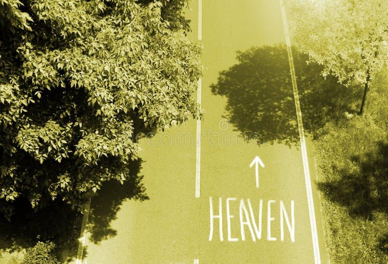 Route au ciel photo libre de droits