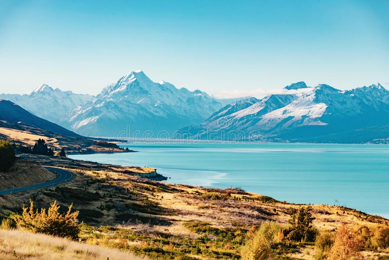 Route au cuisinier de Mt, la plus haute montagne au Nouvelle-Zélande photos stock
