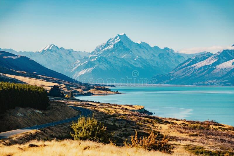 Route au cuisinier de Mt, la plus haute montagne au Nouvelle-Zélande image libre de droits