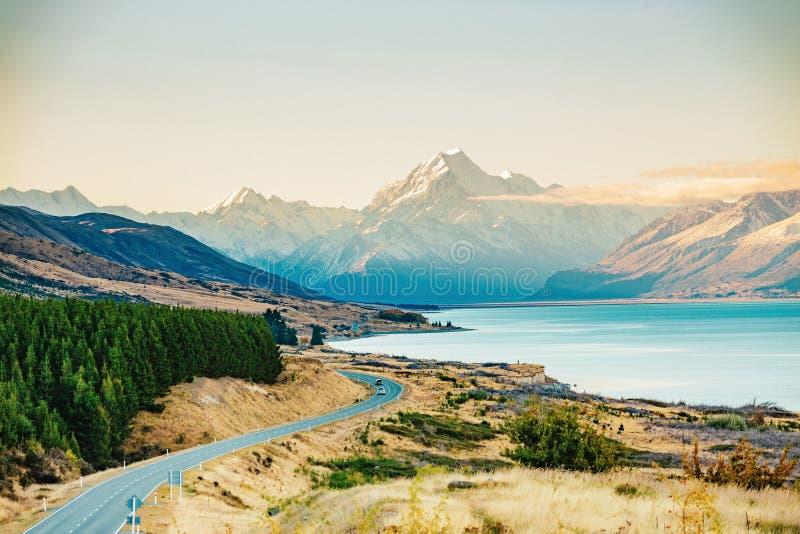 Route au cuisinier de Mt, la plus haute montagne au Nouvelle-Zélande images libres de droits