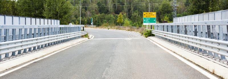 Route au-dessus de la passerelle image libre de droits
