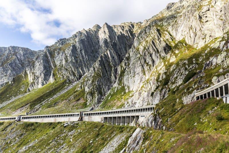 Route au passage de Gotthard en Suisse photographie stock libre de droits