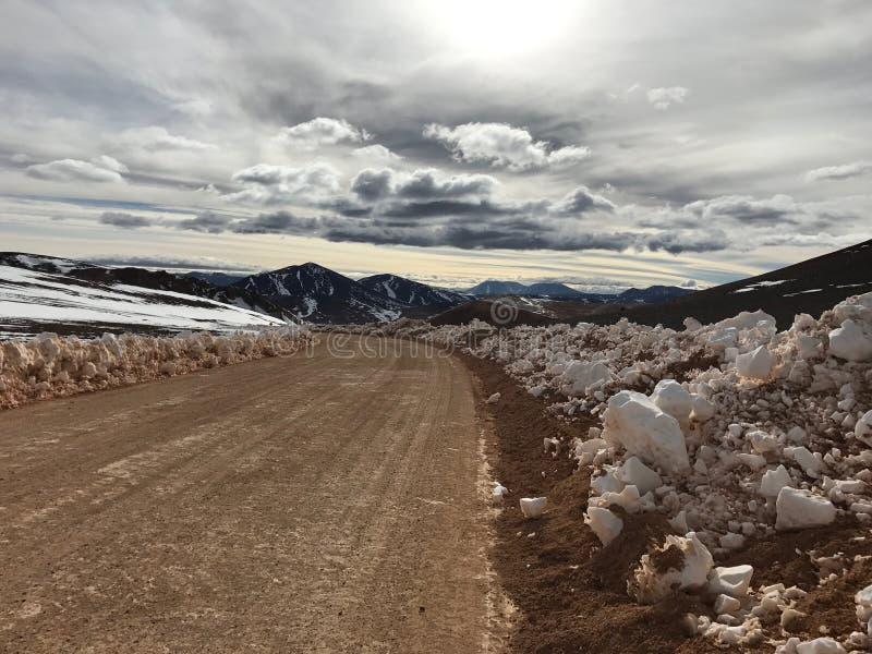 Route au paysage du nord et étonnant des Andes en piment photos libres de droits