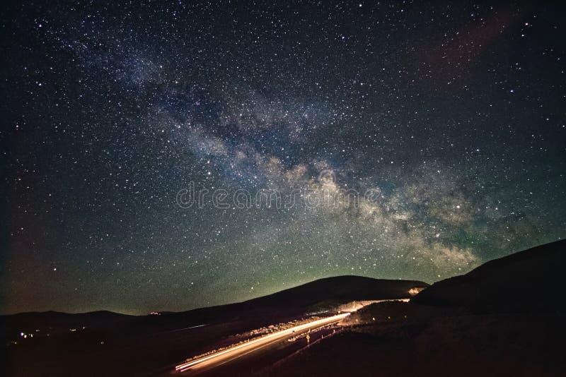 Route aux cieux La terre de planète photos stock