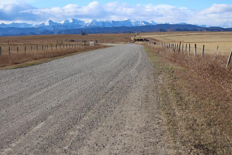 Route aux collines de Rocky Mountain images libres de droits