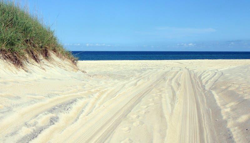 Route aux horizons bleus photo libre de droits