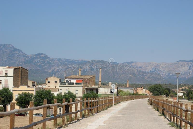 Route aux montagnes photo stock