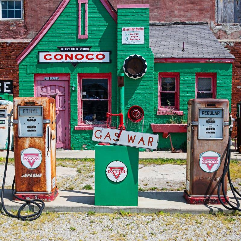 Route 66 bensinstation royaltyfri fotografi