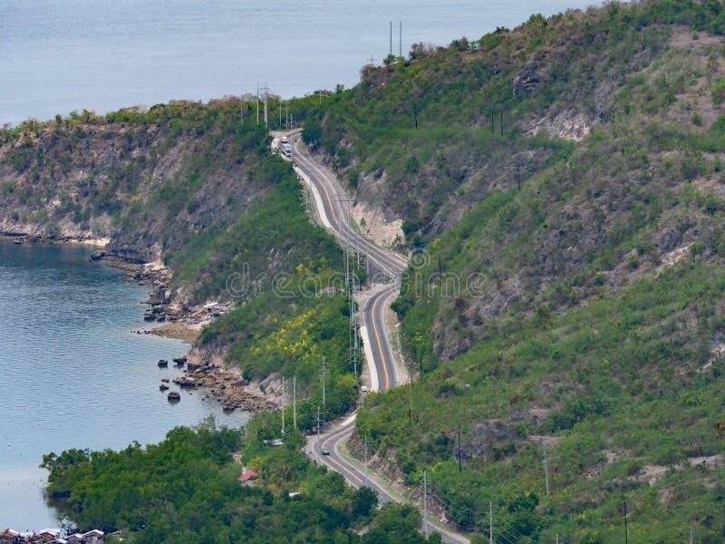 Route côtière sur Mindanao, les Philippines photographie stock libre de droits
