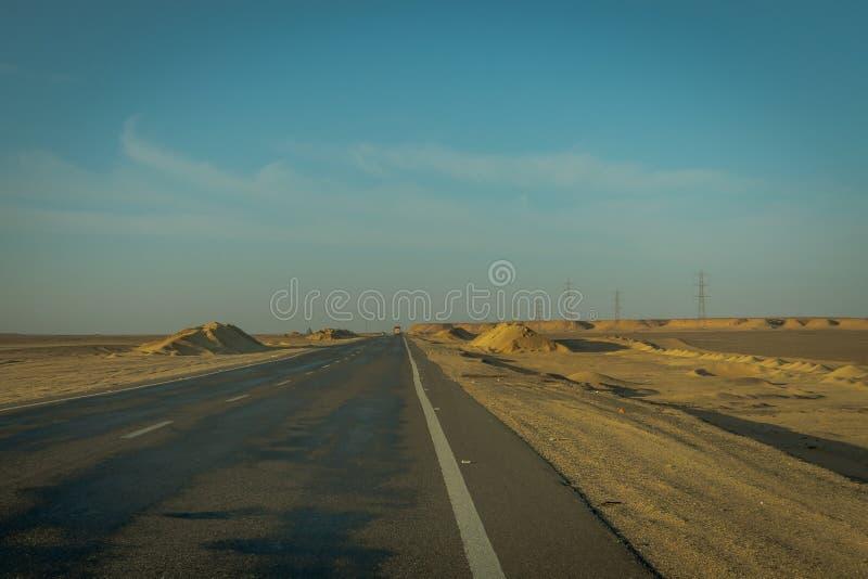 Route dans le d?sert de l'Egypte photographie stock