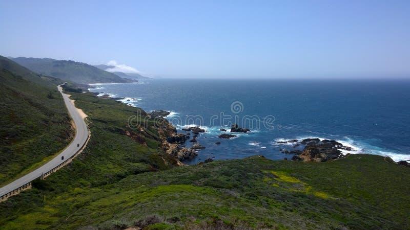Route de Côte Pacifique de croisière de motos images libres de droits