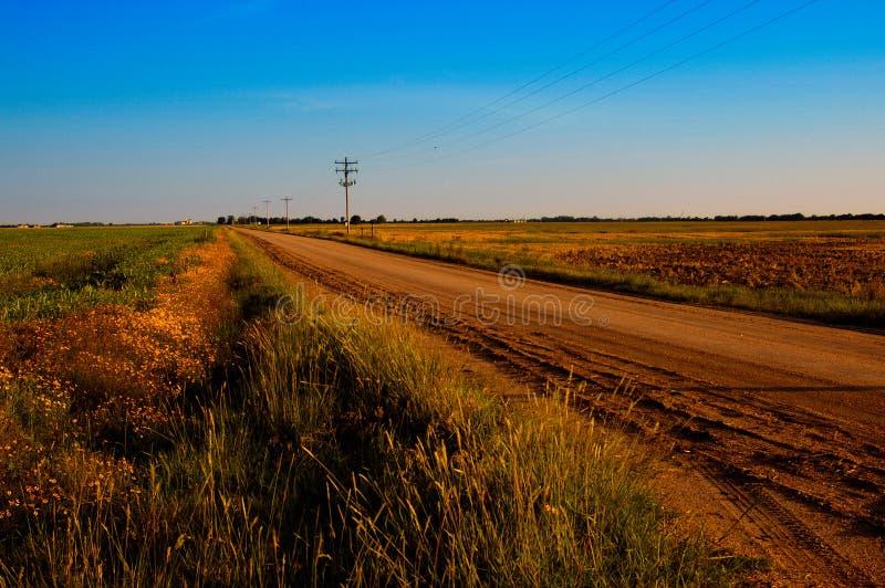 Route de campagne poussiéreuse photo stock